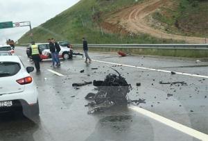 Pet osoba povređeno u saobraćajnoj nesreći na autoputu