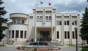 Prizren: Opštinski zvaničnici za Prištinu minibusom