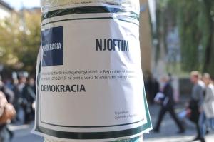 Važno saopštenje: Umrla Demokratija!