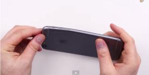 Savijanje novog iPhonea 6 je medijska teorija zavjere [Video]
