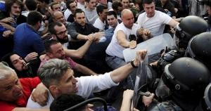 Burno makedonsko proljeće: Čeka li Gruevskog Miloševićeva sudbina?