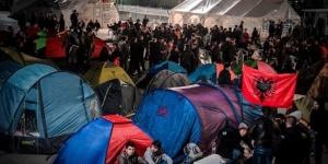 Policija uklonila šatore sa centralnog trga
