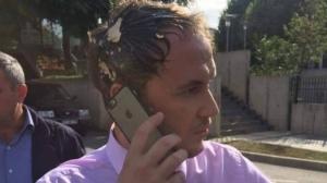 Petrit Selimi pogođen jajetom u glavu (Video/Foto)