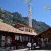 Arnavutluk'un Kruja (Akçahisar) çarşısına yoğun ilgi