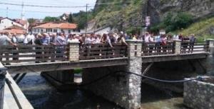 Bekim Fehmiu 7. Ölüm Yildönümünde Prizren'de Anildi